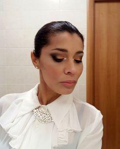 Gatta Vaidosa: Maquiagem e saia metalizada bronze #makebronze