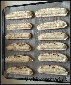 Kaffebrød | Mathiesens Mad Baking Recipes, Cake Recipes, Honey Pie, Diy Snacks, Home Bakery, Danish Food, Danishes, Sweets Cake, Sweet Bread