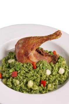 Arroz verde con pollo- Green Rice (spinach and cilantro) with baked chicken