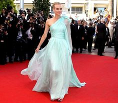 Diane Kruger  0  Joshua Jackson's love--also a juror for the prestigious film fest--wowed the crowd during opening night in a mint-green Giambattista Valli gown.