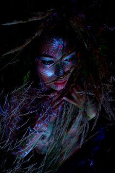 CULTUREUNSEEN — Body Glyph - Polina Sirosh and Oliver Halsman...