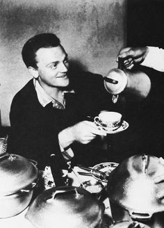 James Cagney drinking coffee (1935)