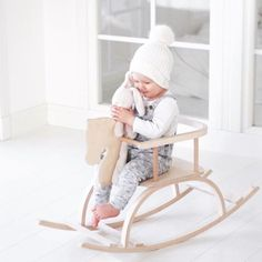 PikkuVanilja Petit Puk klassinen keinuhevonen vauvalle natural