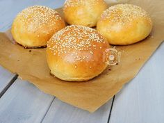 Discover recipes, home ideas, style inspiration and other ideas to try. Bun's Burger, Beste Burger, Crepe Recipes, Easter Recipes, Sweet Crepes Recipe, Chef Simon, Nutella French Toast, Big Meals, Low Carb Bread