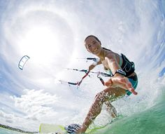 The best way to learn Kitesurf without wasting time. At Kite Obsession, the most experienced instructor will be by your side the whole time. Sea Sports, Water Sports, Sports Women, Kitesurfing, Wind In My Hair, Discovery News, Surf Girls, Best Location, Extreme Sports