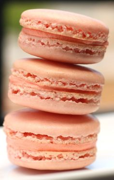 French Macaron recipe from Better With Butter. So perfect, light and sweet! http://#macaron http://#pink http://#sweet http://#dessert