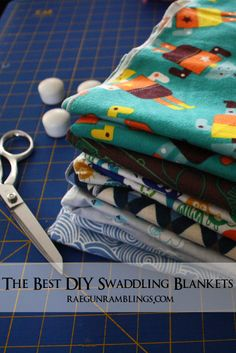 Sewing Baby Gift My absolutely favorite baby blankets. The perfect size that isn't sold in stores. Super quick and easy tutorial. - Rae Gun Ramblings - The Best Baby Swaddle Blanket Tutorial. Super fast and easy. These blankets will be your favorite. Baby Sewing Projects, Sewing For Kids, Sewing Hacks, Sewing Tutorials, Serger Projects, Knitting Projects, Sewing Crafts, Couture Bb, Baby Swaddle Blankets
