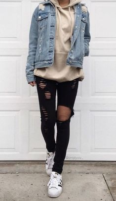 34 Outfit Ideas for this Spring is part of Hipster outfits - Spring is just around the corner! So get ready and check out these 34 looks! Cute Spring Outfits, Cute Teen Outfits, Teen Fashion Outfits, Grunge Outfits, Boho Outfits, Tomboy Winter Outfits, Winter School Outfits, Hipster Girl Outfits, Fashion Clothes