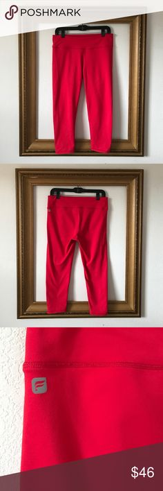 Fun Fabletics 3/4 length crops, M In great condition, the only sign of wear is along the back seam as pictured above. Great fit, great fabric, on the thicker side. They feel very secure. Fabletics Pants