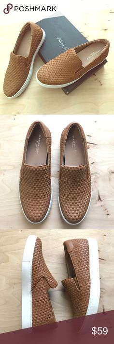 Kenneth Cole Sneakers Super Cool Woven Leather Slip On Sneaker. Dark Tan/ White Color. New Condition. Comes With Box. Size 7.5. 🚫No Trades🚫 Kenneth Cole Shoes Sneakers
