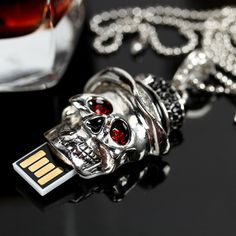 Genuine Capacity USB Flash Drive 8GB 16GB 32GB 64GB, Skull Pen Driver, Gift USB Flash Disk, Jewelry USB Flash Drive Pendrive Key