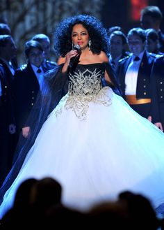 Diana Ross is a vision in a crystal-encrusted tulle gown at the Obama's TNT Christmas in Washington concert, Evan Ross, Diana Ross Style, Diana Ross Supremes, Jazz, Vintage Black Glamour, Black Actors, Female Singers, Soul Singers, Classy And Fabulous