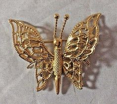 Vintage Monet Gold Tone 3 Dimensional Wire Filigee Butterfly Pin Brooch