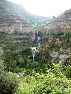 Hike through Sant Miguel de Fai. Cataluña, Spain