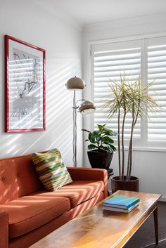 2018 will start with new ideas and new trends! Here´s an idea that might help you decorate your place. For more inspirations tap on the image! Orange Furniture, Luxury Interior, Interior Design, Design Trends 2018, Wooden Shutters, Pelmets, Custom Windows, Beautiful Space, Window Treatments