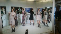 Live Performance der Tänzerinnen von dancevertise in der neusten Kollektion der Designerin Dorothee Schumacher. Fashion Week 2016 im Berliner Mode Salon.