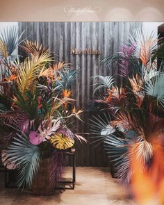 Оформление презентации коллекции TropicalModern от #MaxMara для @fashiongallery_nsk
