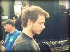 Josh Farro from Paramore Inspiring People, Paramore, Famous Faces, Crushes, Rain, Hairstyles, School, Music, Rain Fall