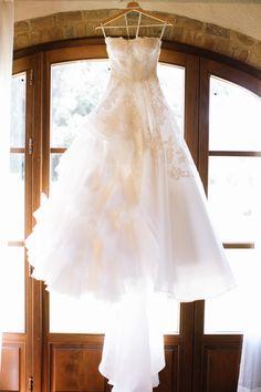Wedding Dress: Oscar De La Renta - http://www.stylemepretty.com/portfolio/oscar-de-la-renta Photography: Stefano Santucci - tastino0.it   Read More on SMP: http://www.stylemepretty.com/destination-weddings/italy-weddings/2016/01/26/classic-romantic-destination-wedding-in-tuscany/