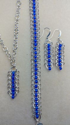 Jumprings and seedbeads jewelry set. - - Jumprings and seedbeads jewelry set. Jump Ring Jewelry, Metal Jewelry, Jewelry Sets, Beaded Jewelry, Jewelry Making, Beaded Bracelets, Chainmaille Bracelet, Handmade Jewelry Bracelets, Jewellery