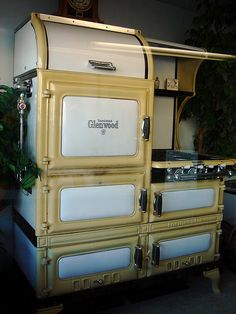 Vintage Stove 1930's Glenwood (I have this same one, but it doesn't have the roll top section) love my stove!