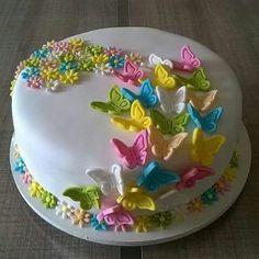 Fancy cake for Phia Butterfly Birthday Cakes, Butterfly Cakes, Cake Birthday, Birthday Kids, Cake With Butterflies, Cake Icing, Eat Cake, Cupcake Cakes, Cake Fondant