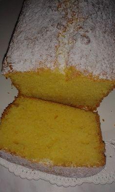 Plumcake simile mulino bianco 200gr di farina 00 50gr di fecola di patate 150gr di zucchero 3 uova 2 vasetti di yogurt albicocca 100gr di olio di semi girasole 50gr di burro 30gr di latte un pizzico di sale Una bustina di lievito per dolci Nel boccale uova, latte, zucchero, olio ,burro e i due yogurt. .30sec / vel 4 Sweet Recipes, Cake Recipes, Torte Cake, Plum Cake, Sicilian Recipes, Poke Cakes, Recipe For 4, Fun Cooking, Sweet Bread