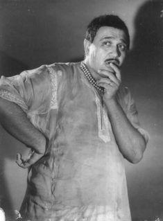 Remembering Om Prakash, one of Hindi cinema's most versatile character actors, on his death anniversary today. There will never be another Om Prakash. Best Bollywood Movies, Bollywood Actors, Bollywood Posters, Indian Star, Hindi Actress, Vintage Bollywood, Poetry Collection, Music Composers, Asian Celebrities