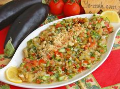Köz Patlıcanlı Gavurdağ Salatası nasıl yapılır? Kolayca yapacağınız Köz Patlıcanlı Gavurdağ Salatası tarifini adım adım RESİMLİ olarak anlattık. Eminiz ki Köz P