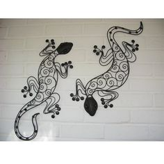 Metal lizard wall decor