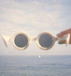 Retro Vintage - one two three four five six seven eight Summer Aesthetic, Retro Aesthetic, Aesthetic Themes, Aesthetic Grunge, Fotografia Vsco, Silvester Make Up, Vintage Vibes, Summer Vibes, Summer Beach