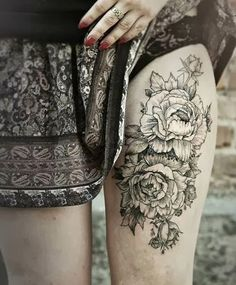 I want something similar to this, with some pops of colour and that winds a bit more around the thigh.