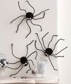 Spiders Climbing Walls Free Crochet Pattern from Red Heart Yarns