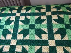 My world of crochet: Stargranny-Tagesdecke grün fertig!!!