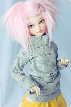 Im planning on restyling the pink fur wig i got when ordering my Doll-love wenwen, kinda something like this?