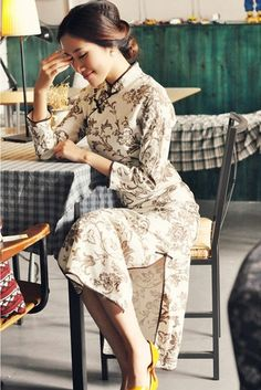 Whiter Floral Long Cheongsam / Qipao / Chinese Dress
