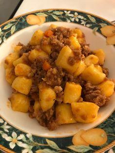 Gnocchi di patate rosse con ragù di mora romagnola