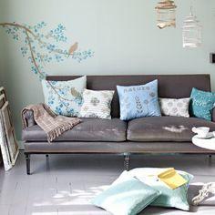 Un décor mural et des coussins peints au tampon - Marie Claire Idées