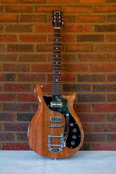 At last, a Gretsch that I like the look of! Music Guitar, Guitar Chords, Guitar Amp, Cool Guitar, Guitar Pics, Unique Guitars, Custom Guitars, Vintage Guitars, Gretsch