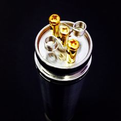 Did a vertical - not the easiest or cleanest build, but I tried (6 wraps, 24 gauge #royalswire, .15 ohms) #Padgram