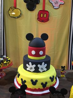 Mickey Mouse 's cake