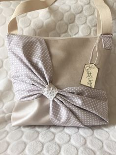 Etoiles, rose, noeud trousse ultra féminine ! Couture