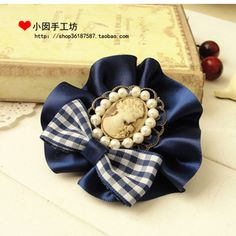 Bow Ribbons, Cameos and Pearls - Moño cintas, camafeo y perlas