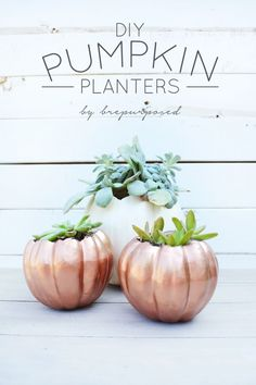 Dwell Beautiful has rounded up over 10 easy DIY fall pumpkin projects to get your home ready for fall! Creative clever pumpkin ideas to get ready for fall! Holidays Halloween, Halloween Crafts, Halloween Decorations, Creepy Halloween, Office Decorations, Halloween Tricks, Spooky Decor, Halloween Season, Halloween Ideas