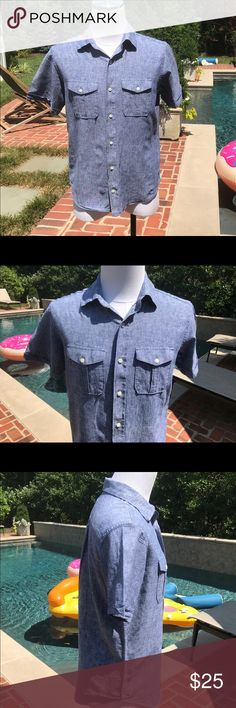 "Banana Republic Men's Short Sleeve Button Down Not brand new but in excellent condition is a Men's casual Linen and Cotton Button Down in a ""Denim"" like Color. 2 front flap chest pockets. Machine wash and tumble dry or dry Clean Banana Republic Shirts Casual Button Down Shirts"
