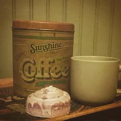 Our amazing Bella Bun smells great with morning coffee! #candles #cinnamon #morning #coffee