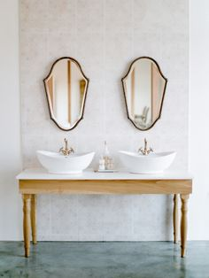 Dream Bathrooms with Insanely Large Square Footage - Style Me Pretty Living