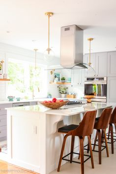The Best All-In-One Online Source for Beautiful Kitchen Finishes Modern Kitchen Renovation, Kitchen Interior, Kitchen Decor, Kitchen Ideas, Kitchen Designs, Kitchen Sinks, Farmhouse Style Kitchen, Modern Farmhouse Kitchens, Diy Christmas Lights