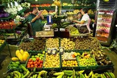 Dólar por encima de $3.000, una inflación cercana al 6%, fenómeno de El Niño, incremento en los intereses y la posibilidad de que el IVA se eleve al 18% es la combinación para el bolsillo. Vegetables, Food, Colorful, Minecraft Decorations, Baskets, December, Food Items, Products, Past Tense