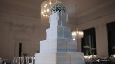 This article looks at the new technology popping up on wedding cakes: projection mapping. Moving, animated images are inconspicuously projected onto the cake.